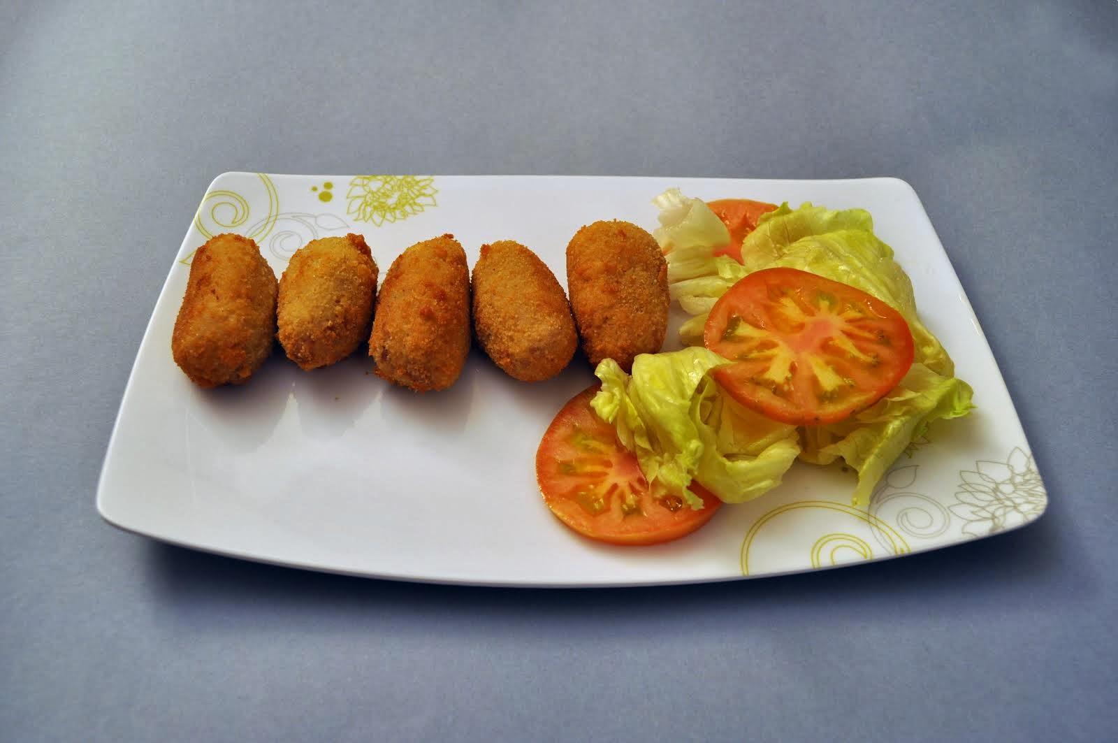 """Croquetas caseras de """"carn d'olla"""""""