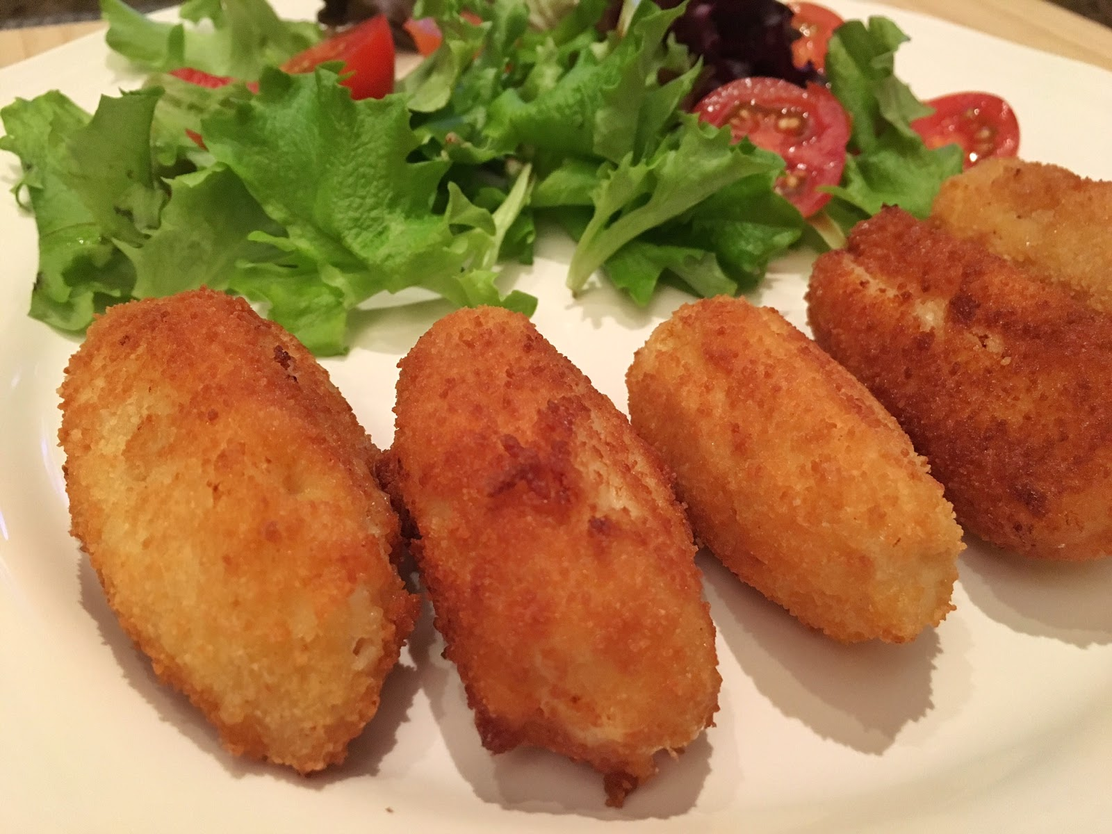 Croquetas de jamón con huevo duro