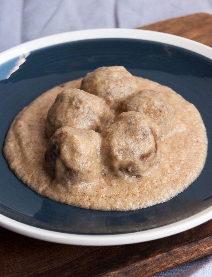 Albóndigas con salsa de almendra