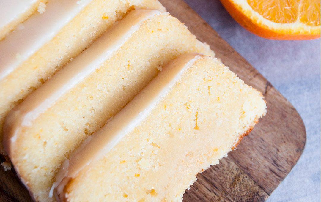 Bizcocho de naranja con glaseado