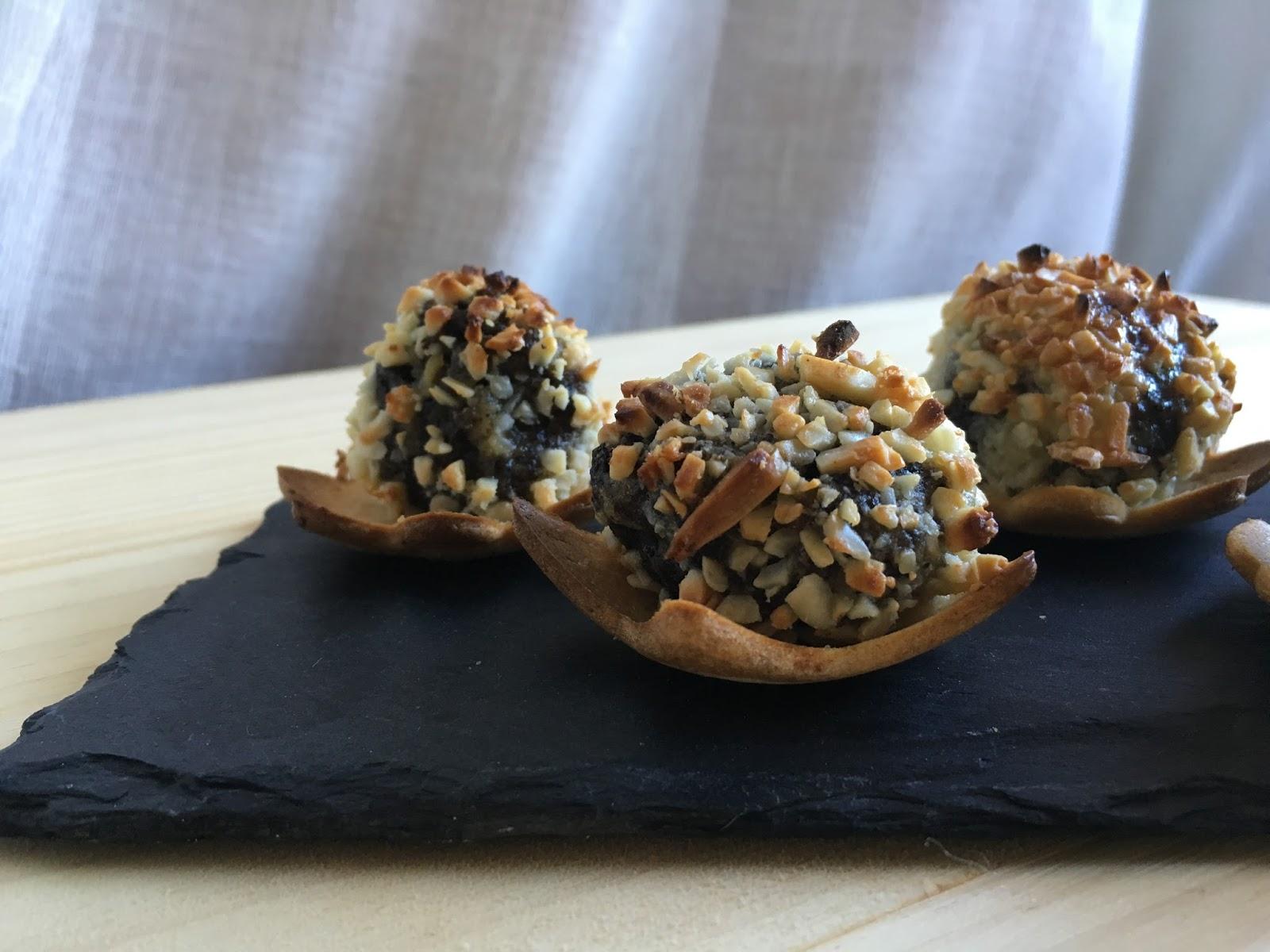 Bolitas de morcilla de burgos con manzana