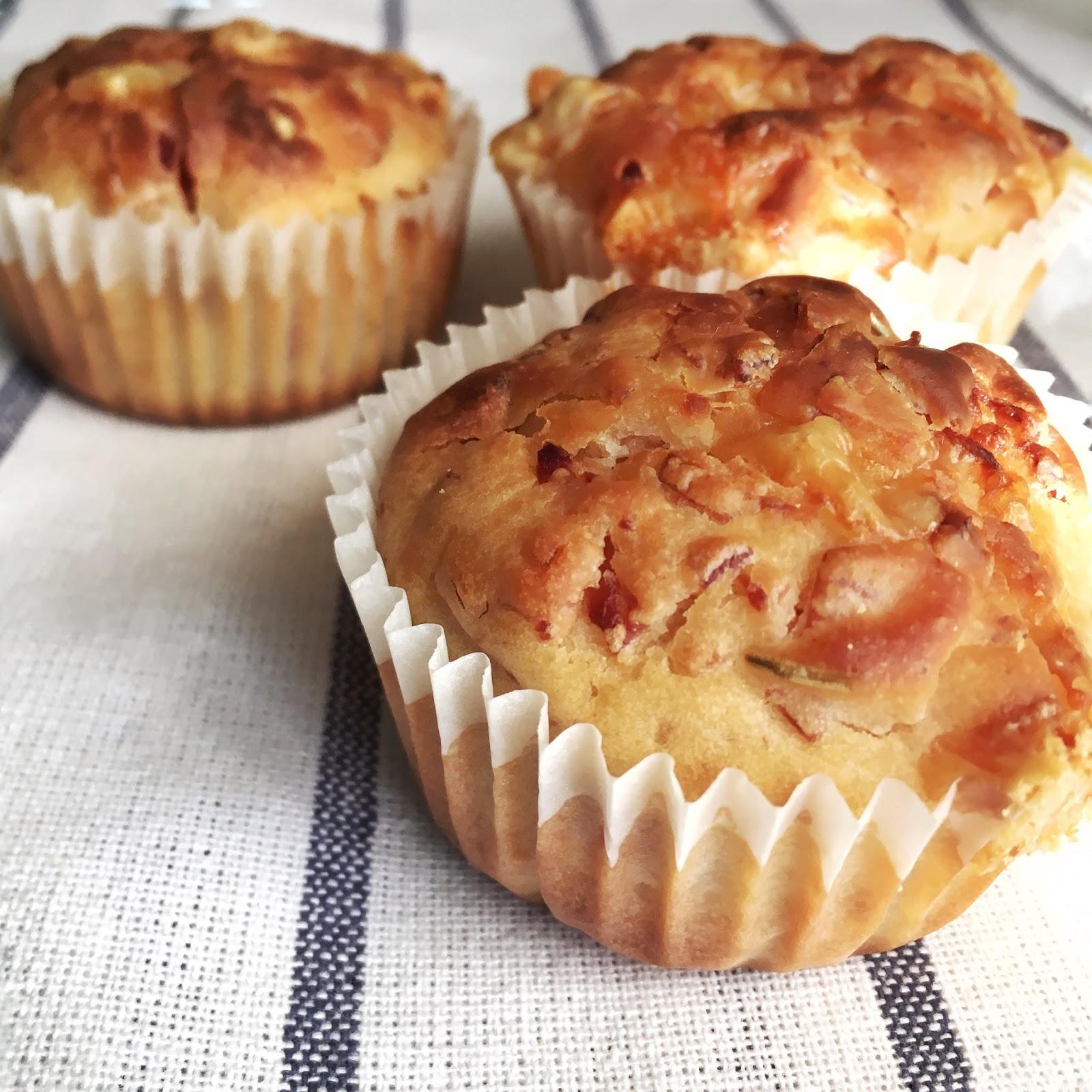 Muffins de queso emmental y bacon