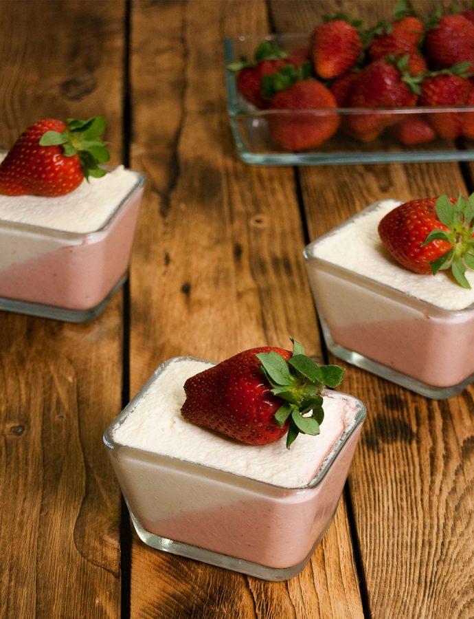 Mousse de fresas con mousse de chocolate blanco