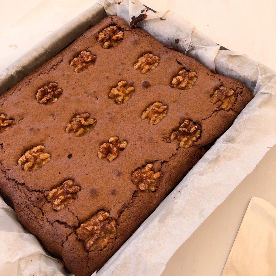 Brownie recien salido del horno